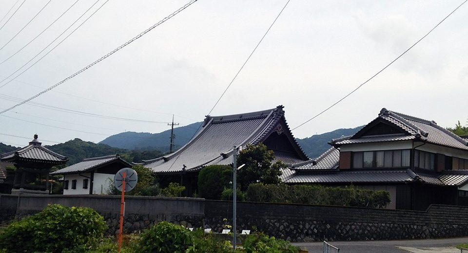 正覚寺遠景